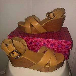 TORY BURCH tan almita leather and wedge sandal